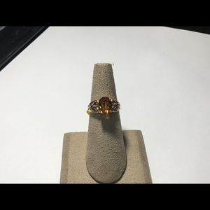 Jewelry - 10 karat yellow gold citrine ladies ring